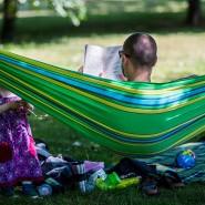 Entspannen und Rendite kassieren? Spätestens alle zwei Jahre sollten Besitzer von Kapitalversicherungen ohne Kapitalwahlrecht ihre Anlage überprüfen.