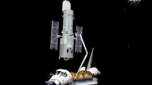 """Atlantis"" nach ""Hubble""-Reparatur auf dem Rückweg"
