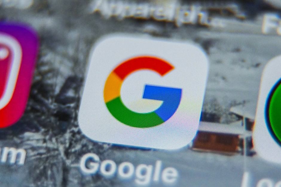 Internetnutzer müssen sich der Vertragsgestaltung von Tech-Konzernen wie Google oder Amazon nahezu uneingeschränkt beugen.