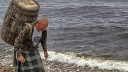 Schotte trägt sein Whisky-Fass 100 Kilometer weit