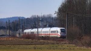 Eine niedrigere Mehrwertsteuer auf Bahnreisen ist heikel
