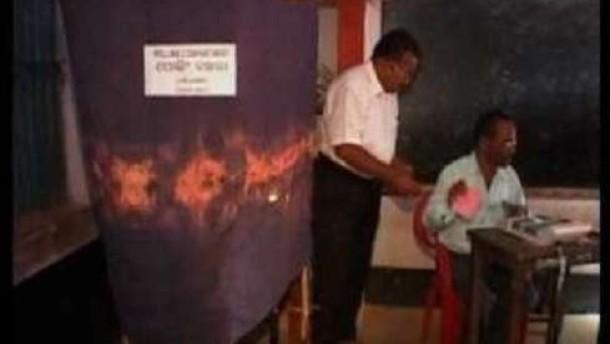 Tote bei Angriffen am ersten Wahltag