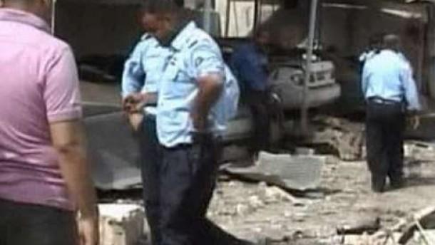 Viele Tote bei Anschlag auf Polizeigebäude