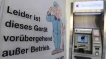 Alles vernetzt: In der schönen neuen Bankenwelt kann ein Fehler in Stuttgart zum Automatenstreik in Bremen führen.
