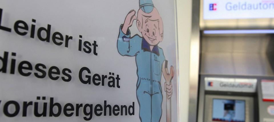 34cd10b3e8785a Alles vernetzt  In der schönen neuen Bankenwelt kann ein Fehler in  Stuttgart zum Automatenstreik in