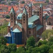 Der Dom zu Speyer. Ein heute 63 Jahre alter Mann wurde als Kind in die Obhut von Geistlichen im Bistum Speyer gegeben und jahrelang missbraucht.
