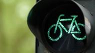 Darmstadt will neue Verkehrsregeln für Fahrradfahrer erproben.