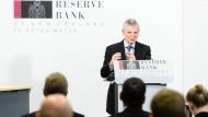 """Graeme Wheeler, der Notebank-Chef von Neuseeland, spricht in Wellington – der """"Stadt des Windes""""."""