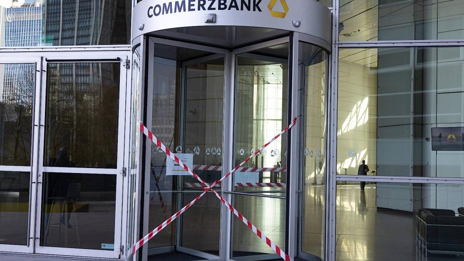 Der Eingang zur Commerzbank-Zentrale