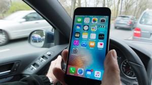 Handy-Sünder am Steuer im Visier