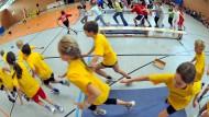 Ausreichend Bewegung ist für Schulkinder wichtig. Aber mit Zwang geht das nicht.