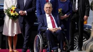 Ärzte stellen Amtsrückkehr von Zeman in Frage