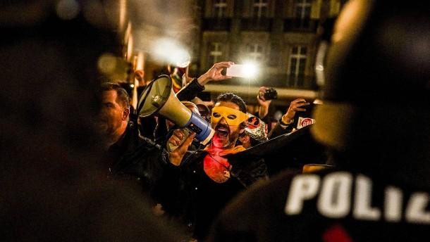 """Koalition streitet über Demo der """"Querdenker"""""""
