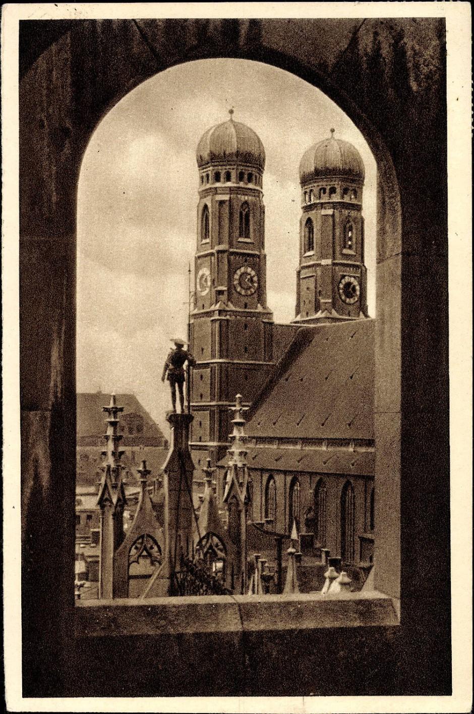 Die Münchner Frauenkirche: Anfang der 1930er Jahre erfreut sich die Stadt steigender Besucherzahlen aus dem Ausland.