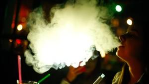 Bei Kontrollen in Shisha-Bars taucht regelmäßig illegaler Tabak auf