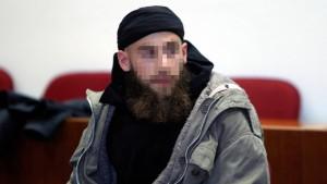 Salafist gesteht Messerattacke auf Polizisten