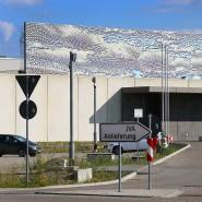 In dieser Justizvollzugsanstalt nahe Augsburg sitzt der frühere Konzernchef von Wirecard ein.