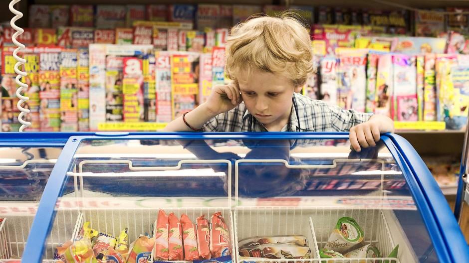 In jungen Jahren legen Kinder ihr Taschengeld gerne in Eis an. Später ist Eis für Erwachsene immer noch eine Verführung, spielt aber eher eine Nebenrolle in der Geldanlage.