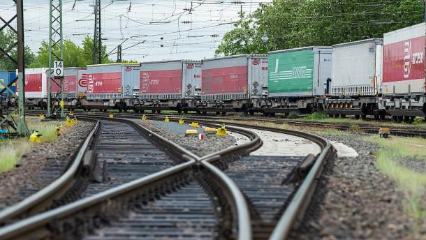 Bauunternehmen wünschen sich Gesetze zur Schienen-Planung