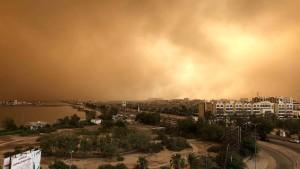 Gewaltiger Sandsturm verschluckt Stadt im Jemen