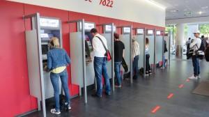 Mehr Gebühren: Wegen der niedrigen Zinsen werden Konten der Frankfurter Sparkasse teurer.