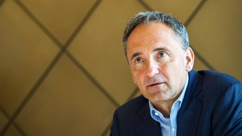 Jim Hagemann Snabe blickt in die Zukunft des Siemens-Unternehmens. Er ist Chef-Aufseher des Unternehmens und sieht einen radikalen Industriewandel.