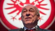 """Peter Fischer, Präsident der Eintracht, nimmt kein Blatt vor den Mund: Wenn es mal schlecht läuft, ist das eben ein """"Scheißtag""""."""