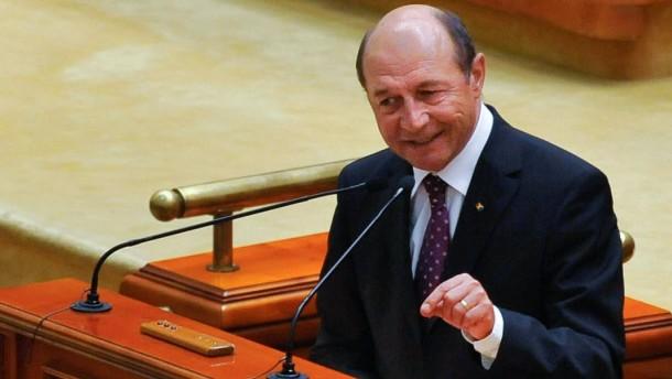 Angriff und Gegenangriff im Parlament