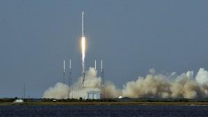 Erstmals Rakete erfolgreich auf Boot gelandet