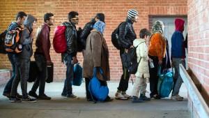 Länder fordern zwölf Milliarden Euro wegen Flüchtlingskrise