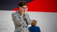 Annegret Kramp-Karrenbauer am Freitag nach ihrer Wahl zur Parteivorsitzenden
