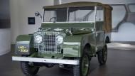 Klassiker der Automobilgeschichte: Der Land Rover. Erst 1990 erhielt er die Bezeichnung Defender.