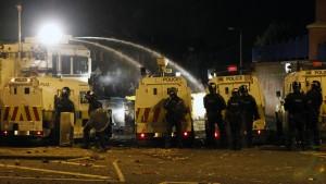 Weiter Unruhen in Belfast