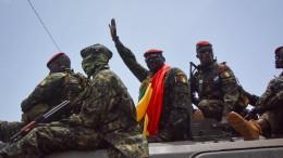 Was will der neue starke Mann in Guinea?