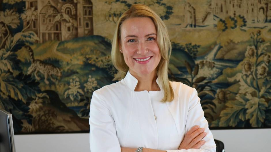 Lange Warteliste: Julia Berkei ist Schönheitschirurgin.