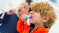 Kreidezähne: Laut einer neuen Studie sind bereits rund 30 Prozent der Kinder von der Krankheit betroffen.