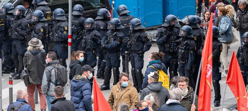 Demonstration gegen Corona-Maßnahmen in Stuttgart