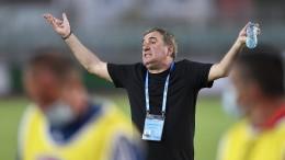 Rumänische Fußballikone Hagi entlässt sich selbst