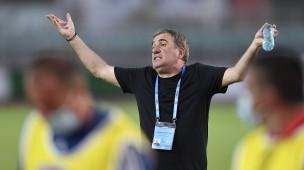 Unzufriedene mit Leistung: Klubbesitzer  Gheorghe Hagi entlässt Trainer  Gheorghe Hagi.