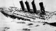 """Opfer deutscher U-Boote: Die sinkende """"Lusitania"""" im Mai 1915. Einen ähnlichen Vorfall würden die USA nicht tatenlos hinnehmen."""