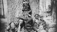 """Der Gründervater und """"Daddy"""" William George gab auch das Präsidentenamt an die Kinder ab."""
