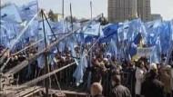 Zehntausende demonstrieren in Kiew