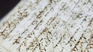 Im Wandel der Zeit: Friedrich Schillers Briefe sehen sehr kunstvoll aus, doch heute kaum noch lesbar.