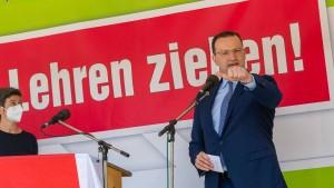 Jens Spahn erntet Gegenwind in München