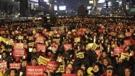 Mönch setzt sich bei Massenprotest in Brand