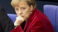 Angela Merkel - (un)umstrittene CDU-Chefin