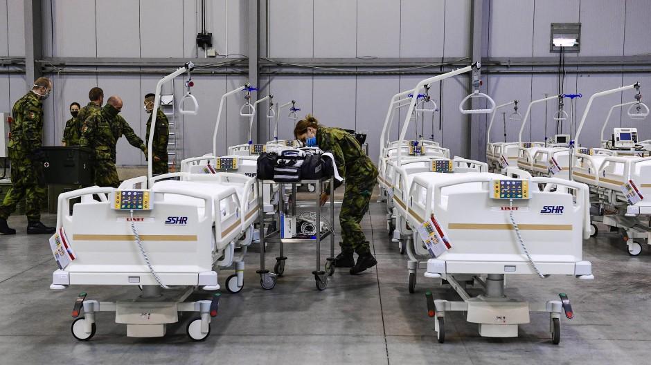 Mit Hilfe der Armee: In der Tschechischen Republik fehlen angesichts der europaweit höchsten Infektionszahlen die Ärzte.