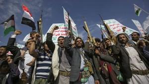 Houthi-Rebellen greifen Entsalzungsanlage an