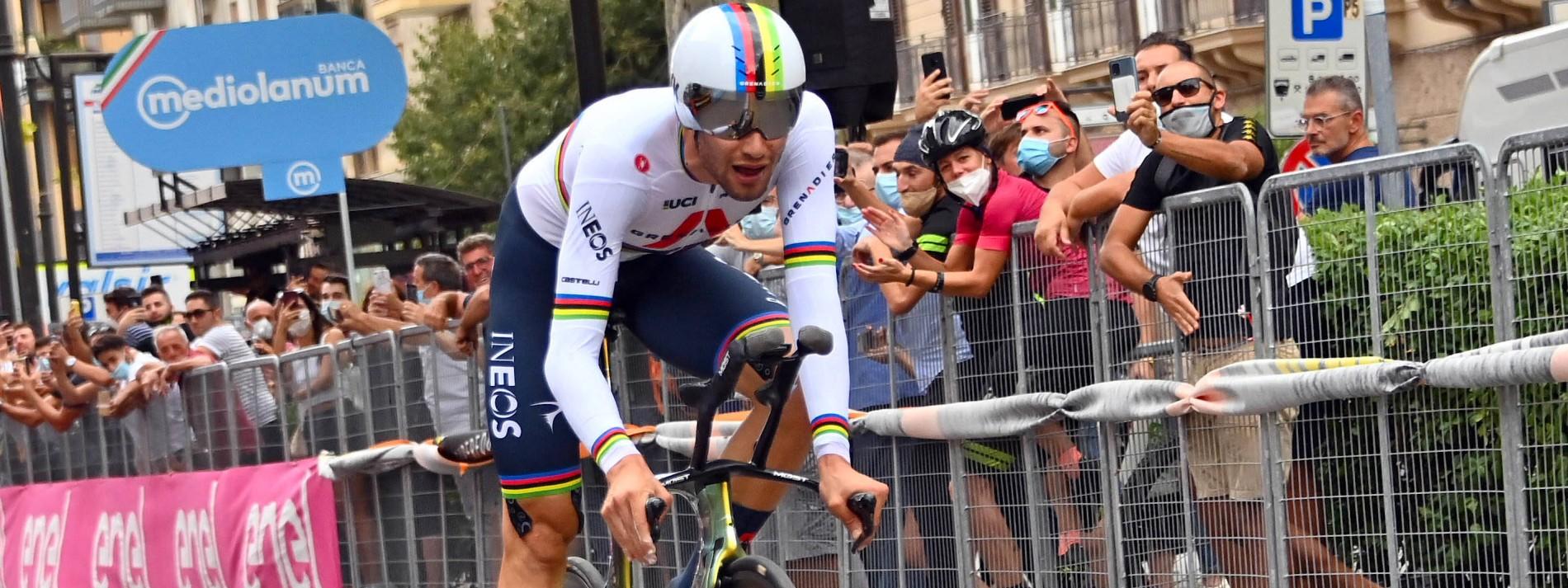 Ganna gewinnt Giro-Auftakt