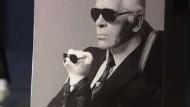 Steiff präsentiert Karl-Lagerfeld-Plüschbär